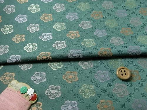 金襴生地梅並べ緑青色